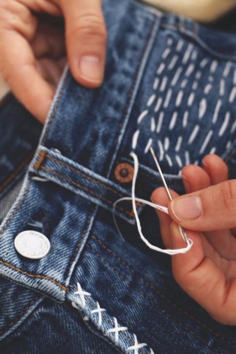DIY: Tu tay bien hinh cho chiec quan jeans cu bang nhung mui theu don gian