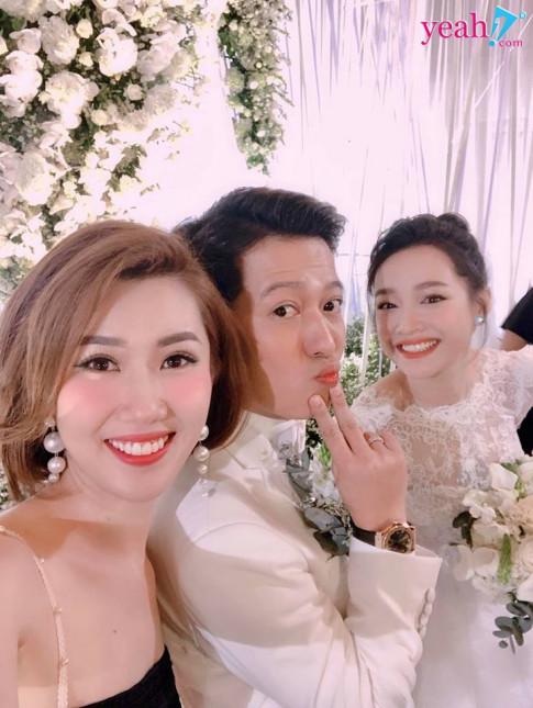 """Han """"Gao nep gao te"""" va dien vien Anh Duc cong khai """"tan tinh"""" nhau, lieu co cap doi moi khong day?"""