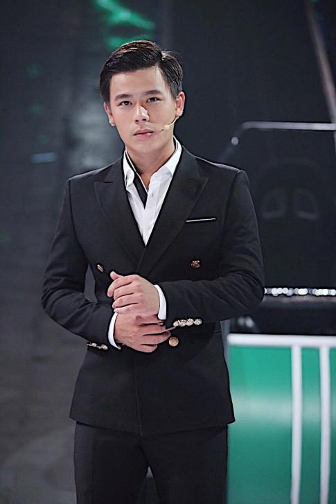 MC Tran Anh Huy tiet lo bi kip ngay cang dien trai truoc nghi an dao keo