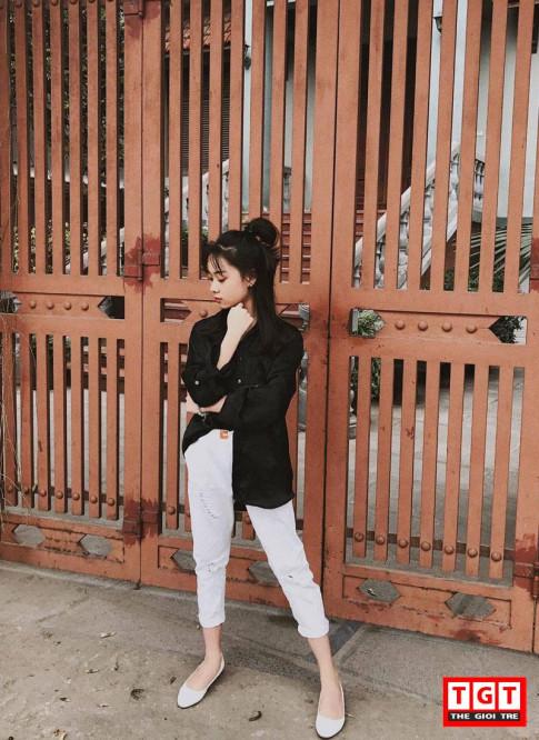 Mix do don gian nhung van bien thanh co gai street style nhu Phan Nguyen Ha My