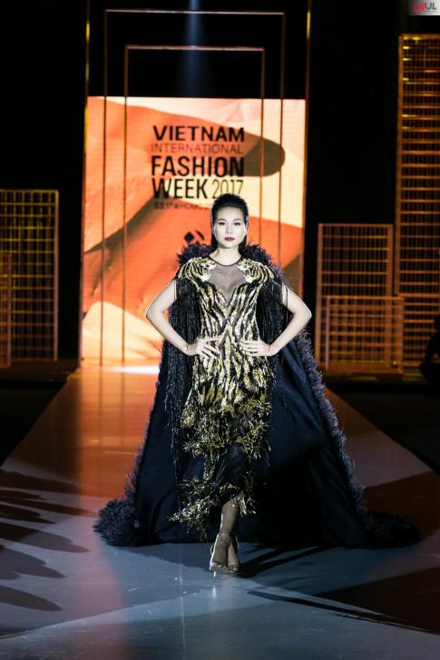 Thanh Hang mang den cai ket vien man cho VIFW 2017