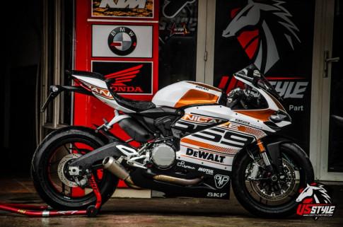 Ducati 959 Panigale lột xác trong bộ cánh cam chrome đầy ấn tượng
