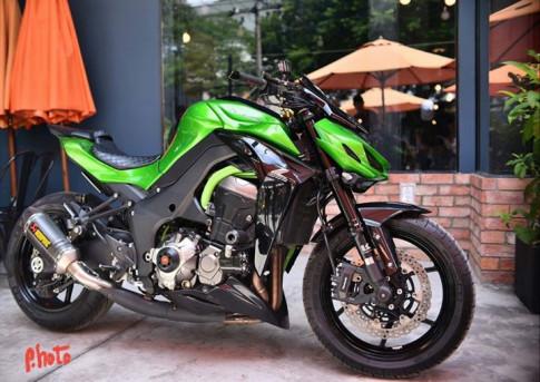Kawasaki Z1000 dọn gần full đồ chơi đầy hấp dẫn