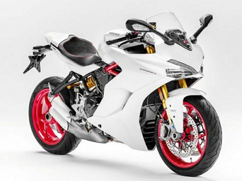 Super Sport 939 của Ducati lần đầu tiên lộ diện