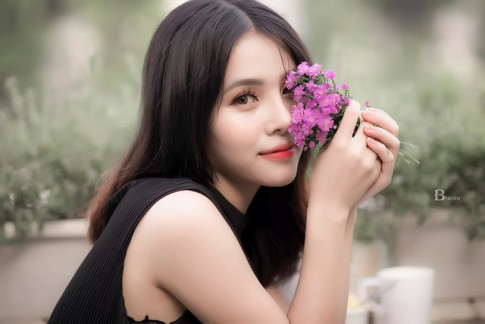 9X Ha Thanh xinh dep, tai nang thanh cong tu hai ban tay trang