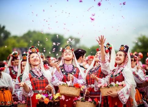 Bulgaria va thung lung hoa hong tho mong