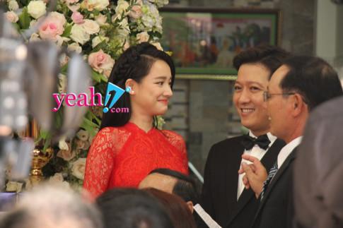 Chị gái Nhã Phương xinh đẹp, trẻ trung xuất hiện tại đám cưới em gái