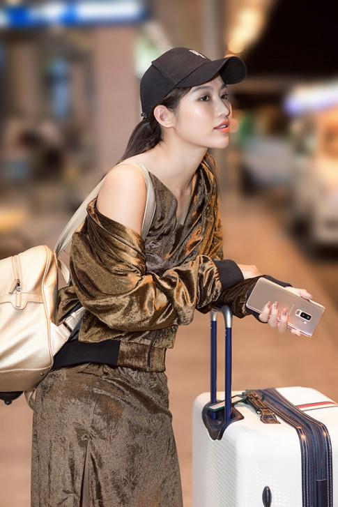 """Dat len ban can gu """"Hoang Kim"""" sang chanh cua Chau Bui va Che Nguyen Quynh Chau"""