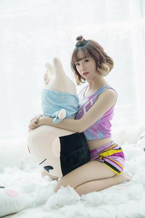 """Hot streamer Mai Linh Zuto: Da tung """"bi e"""" vi qua giong con trai"""