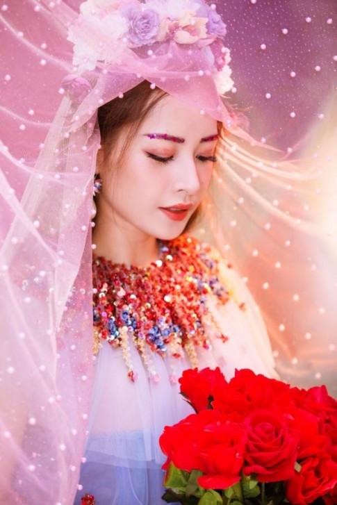 Kieu chan may kim tuyen trong MV moi cua Chi Pu hoa ra la 'an theo' Lady Gaga?