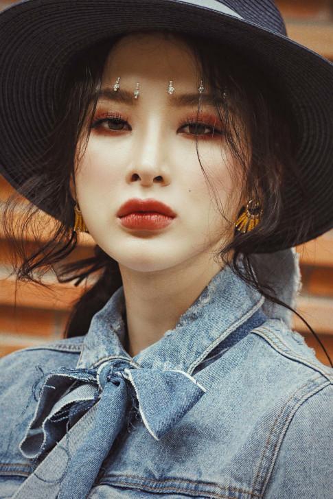 "La mat voi loat anh phong cach ""countryside"" cua Angela Phuong Trinh"