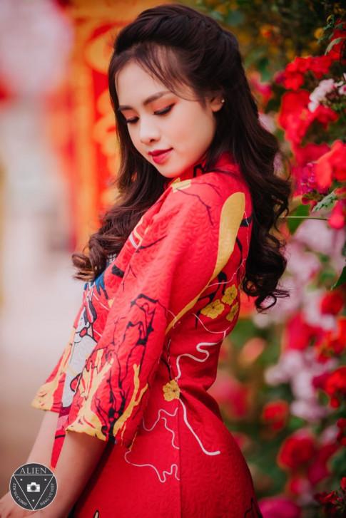 Nu sinh Ha Thanh duyen dang trong bo anh ngap sac do don Tet Ky Hoi!