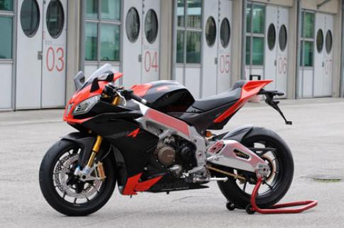 Aprilia RSV4 canh tranh voi Ducati 1098