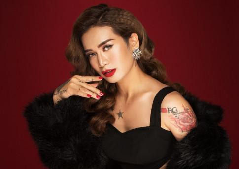 "BB Tran lam clip huong dan makeup 10 lan thi toi 9 lan muon ""lat ban"" o phut cuoi"