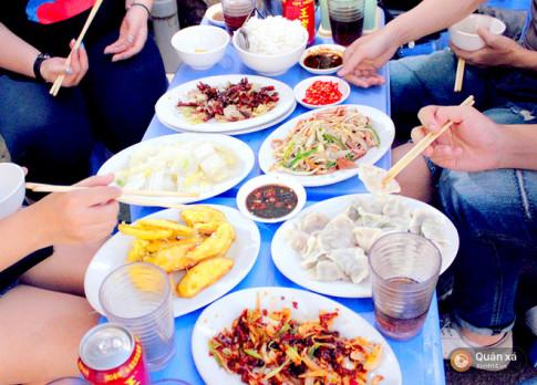 Di an do Trung Hoa chi voi 100k, do ban tim dau ra quan an ngon - bo - re nhu the nay o Ha Noi