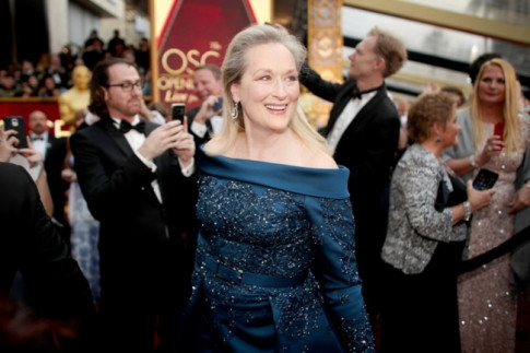 He lo danh tinh chiec vay la nguyen nhan gay tranh cai giua Meryl Streep va nha mot Chanel