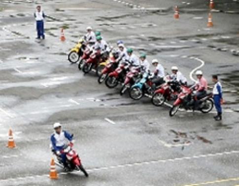 Honda Viet Nam day manh viec huong dan lai xe an toan