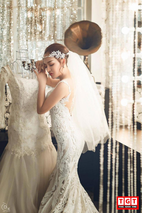 Hot girl Tô Tường Vy bất ngờ diện váy cưới, trở thành cô dâu