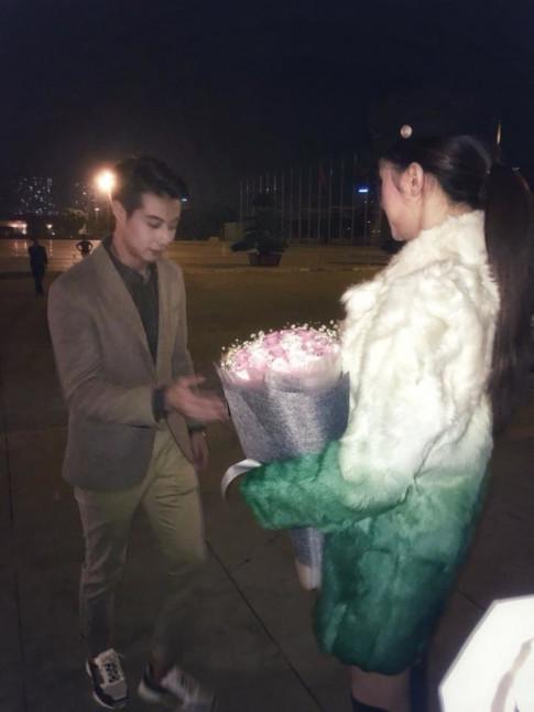 HOT: Huong Giang duoc ban trai nguoi Thai bat ngo cau hon