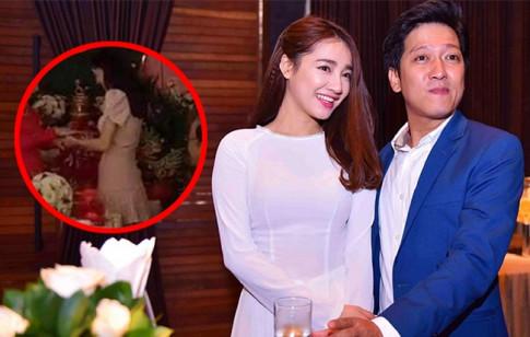 Nha Phuong lai bi phanh phui doan clip bung to bat thuong trong dam cuoi em gai