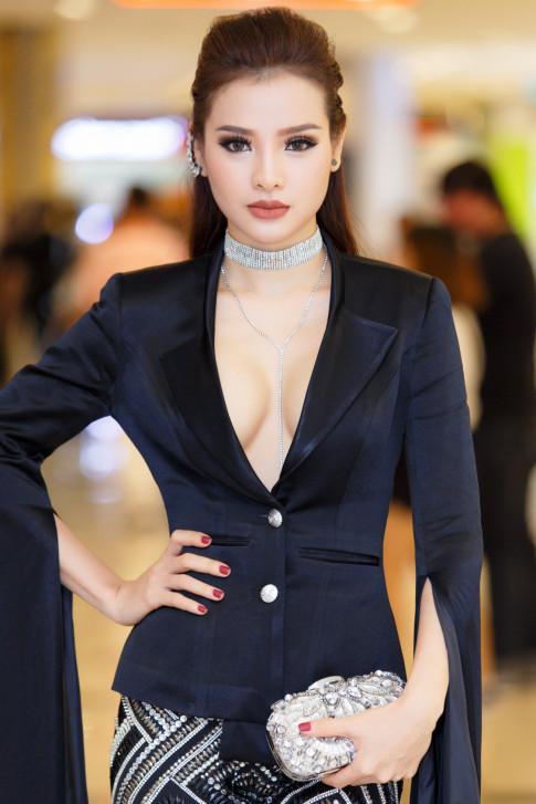 Phuong Trinh Jolie khong ngai khi bi mang tieng 'tinh dich' Minh Hang
