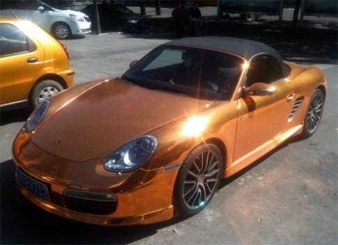 Porsche Boxster S son bang vang o Trung Quoc