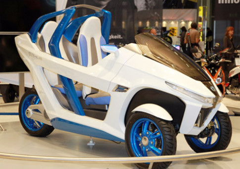 SYM EX3 concept - xe 3 banh chay dien