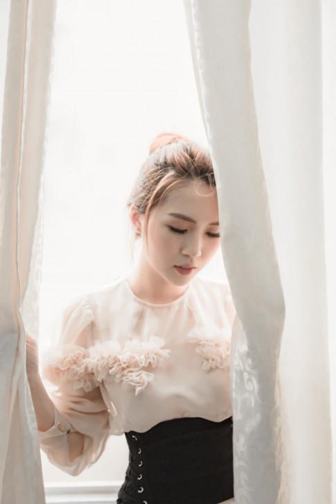 Theo chan Sao (25/8): Tuong Linh The Face tu nhan la thi sinh 'nho' nhat, Lan Khue an tuong voi bo anh