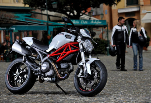 'Thú dữ' Ducati Monster 796 xuất hiện