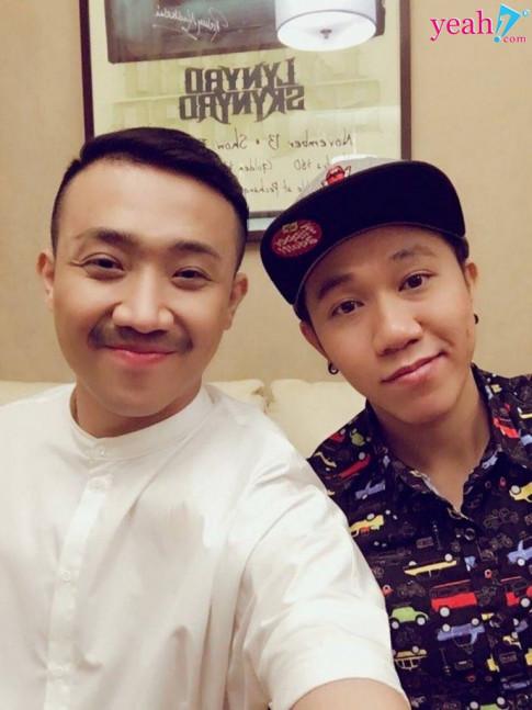 Tran Thanh tiep tuc lam mai cho ban than Anh Duc voi hoi cac co gai hay ghen, nong tinh
