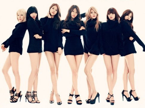 Váy ngắn cũn cỡn 'con dao hai lưỡi' của sao Hàn