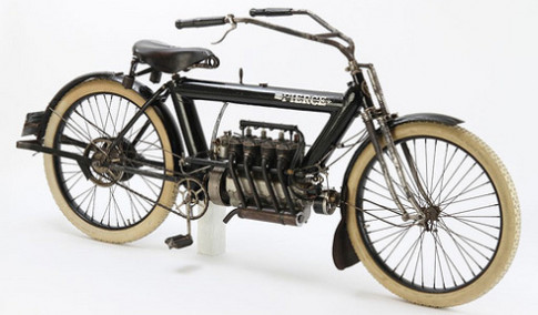 Xe may dong co 4 xi-lanh doi 1911