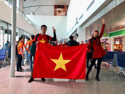 Dep het vay ao, A hau Le Hang, Thanh Tu an mac gian di di co vu U23 Viet Nam