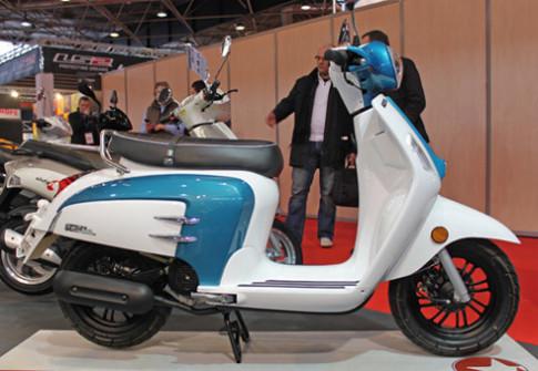 Mash Storia - scooter mới giống Lambretta