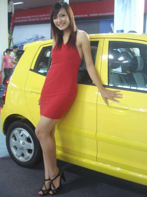 Nguoi dep chan dai o AutoPetrol 2009 tai Ha Noi