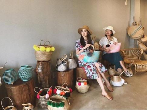 Da la ba me 2 con, Tang Thanh Ha van danh bat Miss Universe Pia khi vo tinh dung vay