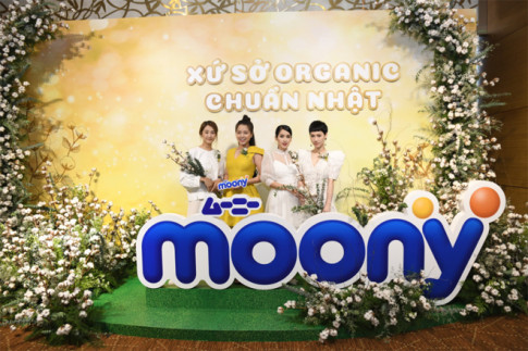 """Dàn sao Việt rủ nhau khám phá """"Xứ sở organic chuẩn Nhật"""""""