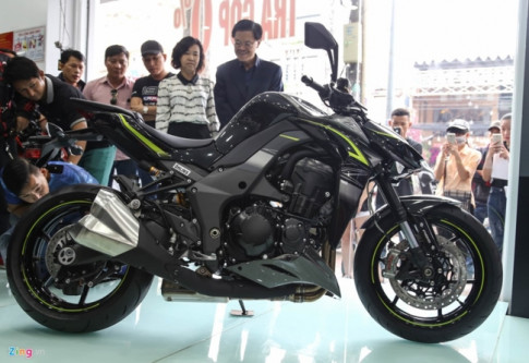 Can canh Kawasaki Z1000 phien ban R Edition 2017 day co bap cho dan ghien biker