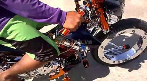[Clip] - Suzuki Raider 150 mang dan chan khung khong giong ai