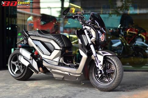 Chien binh thep Honda Zoomer day co bap tai Thai Lan