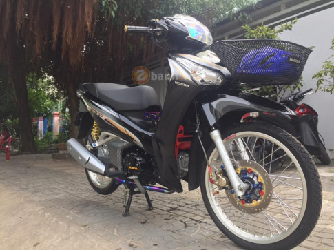 Wave 125i don dep lung linh truoc them Giang Sinh