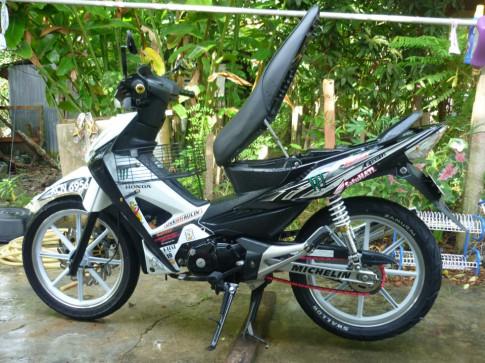 Wave X125 Redbull-Monster su tu o Malaysia