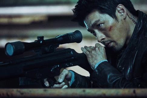 """Cong su bat dac di: Yoona """"dung hinh"""" vi trai dep Huyn Bin"""