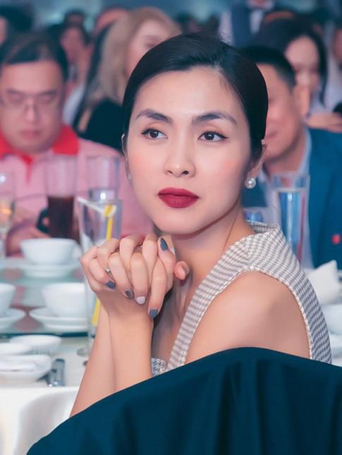 Dien mai toc bui sang chanh, Tang Thanh Ha khien fans me man boi nhan sac ngoc nu tuoi 34