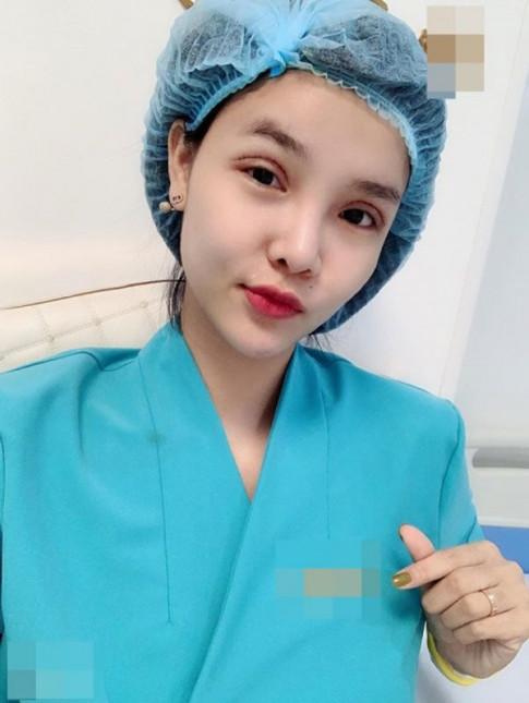 Tung bi noi co thai van di cat mi mat, Ky Han gio day xinh dep khi bau lan 2