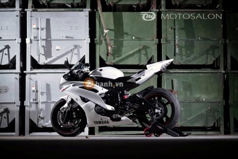 Bạch Mã Yamaha R6 đẹp ngất ngây từ người Nhật