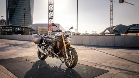 BMW R1200R Black Edition 2017 vừa ra mắt có giá từ 393 triệu Đồng