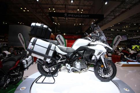 Chi tiết chiếc Benelli TRK 502 được bán chính hãng giá 136 triệu đồng