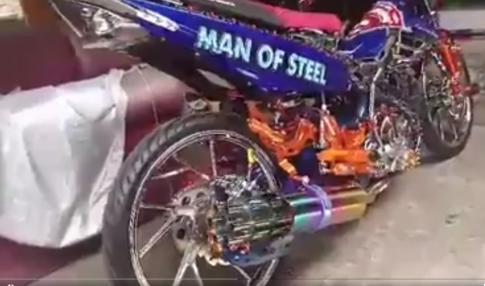 [Clip] Raider Man of Steel ba dao lo dien sau thoi gian nup sau hau cung