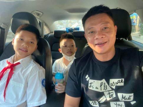 Dua con di mua sach giao khoa, BTV Quang Minh buc xuc vi gap tieu xao doi gia trang tron